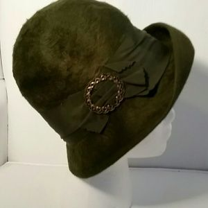 Accessories - Kelly Green Brushed Felt Hat. M